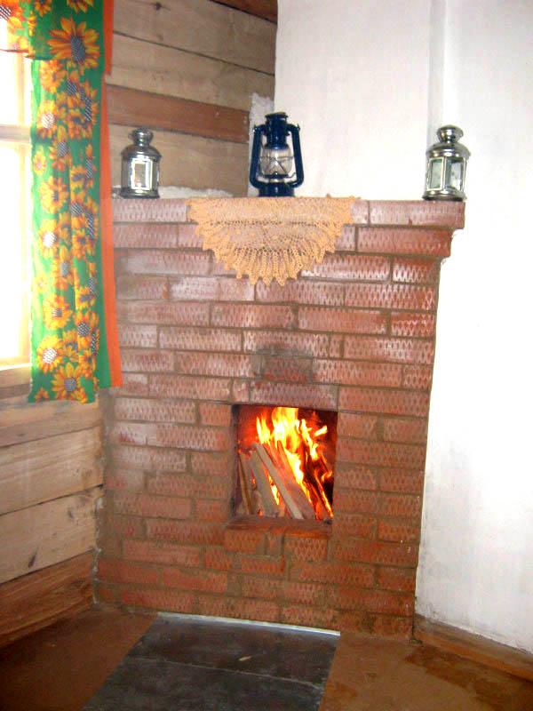 Камин в домике