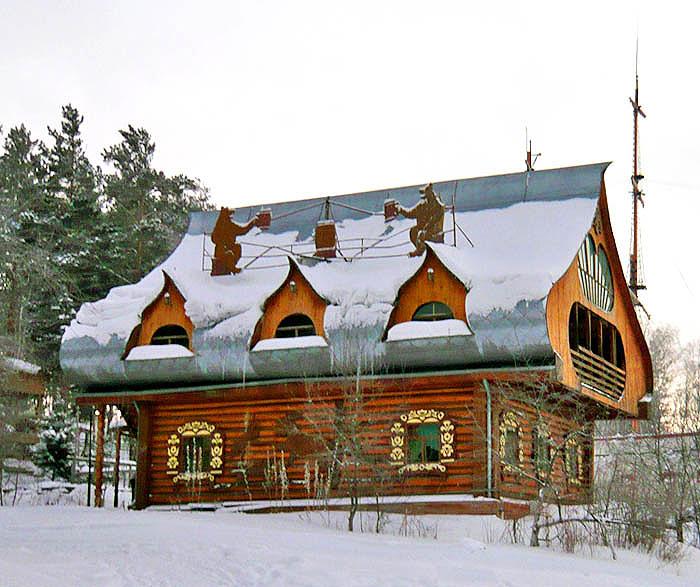 Гостиница-терем с каминным залом