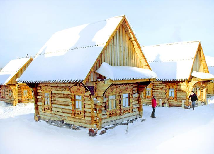 Зимняя улица Русской деревни